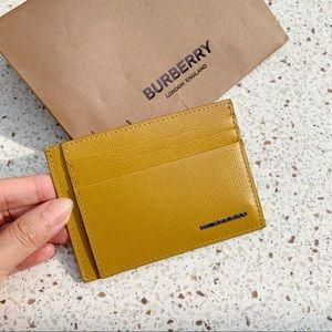 NWT Authentic Burberry Leather Card Case